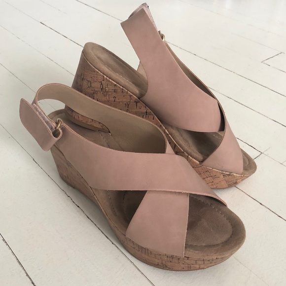 74b75f1ae Chinese Laundry Shoes - ⭐ Chinese Laundry Dream Girl Wedge Sandal